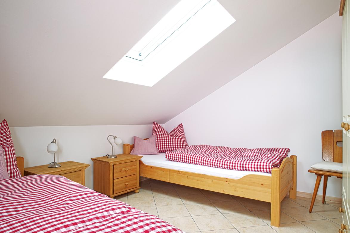 ihre ferienwohnung in garmisch partenkirchen ferienwohnung in garmisch partenkirchen. Black Bedroom Furniture Sets. Home Design Ideas